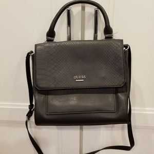 🍁2/$20 Guess Crossbody Bag